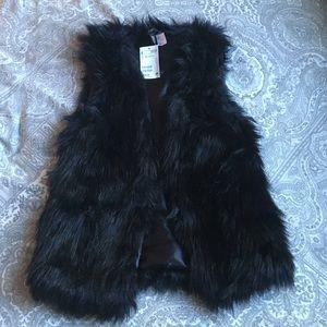 H&M Jackets & Blazers - Nwt h&m fur vest