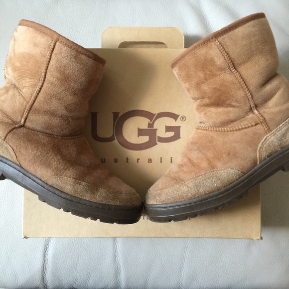 a55f509c294 UGG Ultra Short Sheepskin Chestnut Suede Boots. 8M