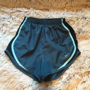 Woman's Nike tempo shorts
