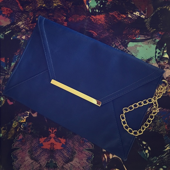 Forever 21 Handbags - Forever 21 Cobalt Blue Large Clutch with chain