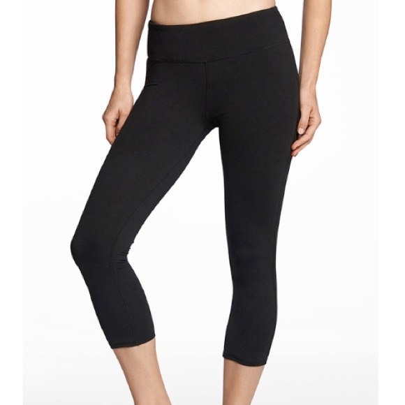 fb4bcc625b36ca Fabletics Pants   S Black Crop   Poshmark