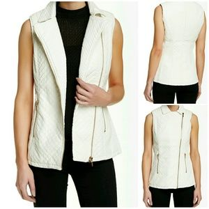 Jackets & Blazers - 😍HP😍Quilted Faux Leather Vest