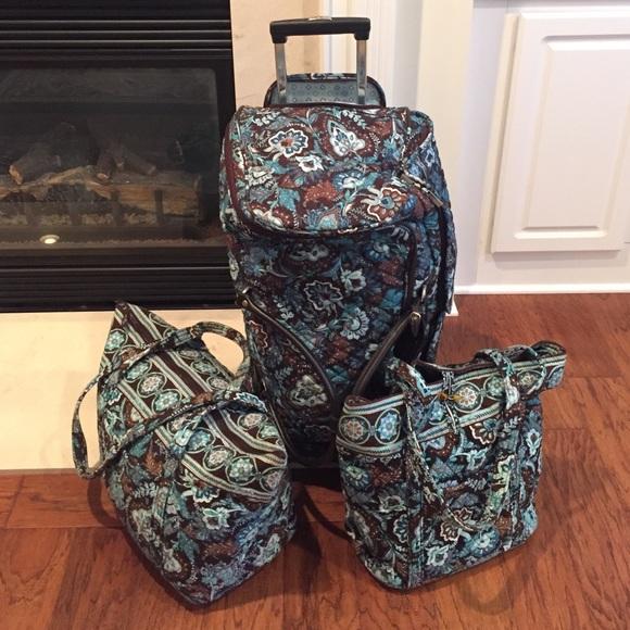 169fbaa1fc Vera Bradley luggage set. M 5782ee2a9c6fcf2b870002d0