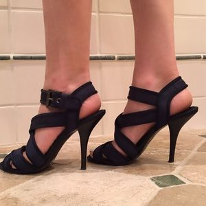 Authentic Zara navy heels