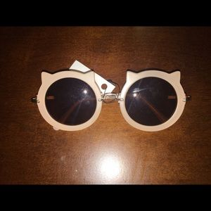 Accessories - Cat design sunglasses