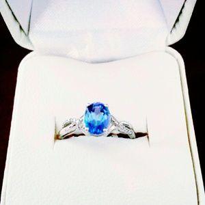 NWT 10K White Gold Blue Topaz Ring