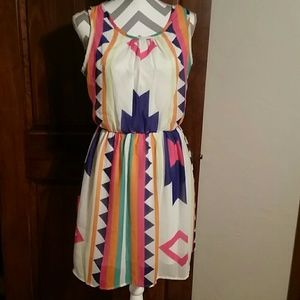 Francesca's bright, fun, Aztec print dress, Sz Lar