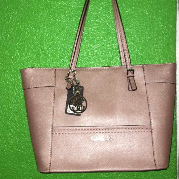 Guess tote purse brand new rose gold 7c16bb3a3bef3