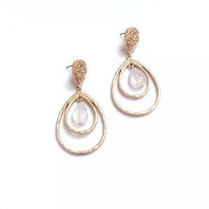 ❗️LAST ONE❗️Lotus gold plated Crystal earrings