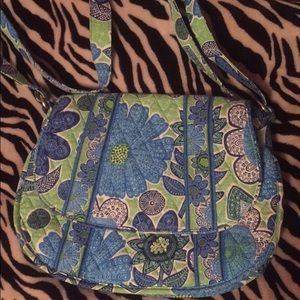 Vera Bradley saddle up cross body.