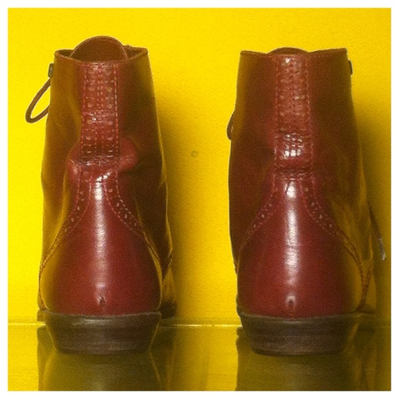 Etienne Aigner Shoes - SOLD! Vintage Leather Oxford, Lace up Ankle boots