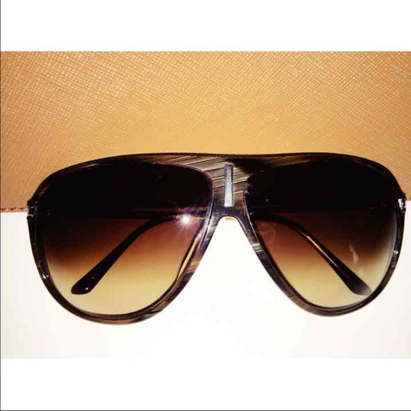 25035b8ec99 M 5783bb15f739bcd933003648. Other Accessories you may like. VERSACE gold  baroque leather aviators + case