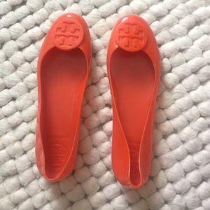 Tory Burch orange jelly flats SZ 8