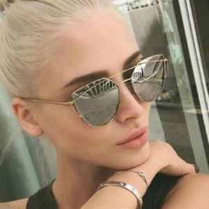 CLEARANCESilver Mirror Cat Eye Sunglasses New