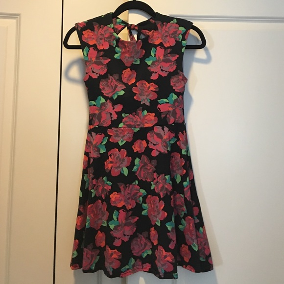 Forever 21 Dresses & Skirts - Forever 21 Floral Skater Dress Size S