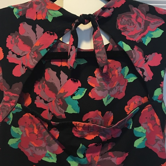 Forever 21 Dresses - Forever 21 Floral Skater Dress Size S