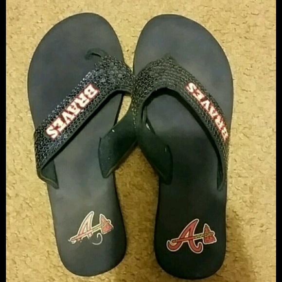 e204ef5b6d12b Atlanta Braves flip flops size 7.5. M 5784243a6a5830ad46000e27
