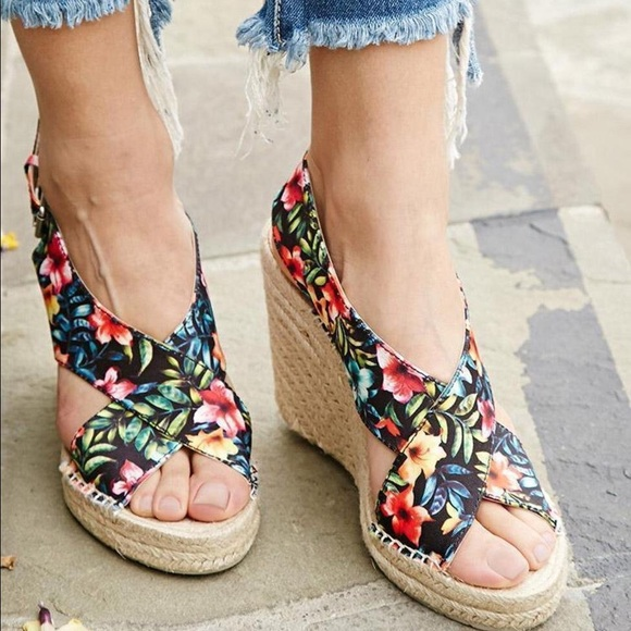 dbf89424afdd Dolce Vita Sovay Tropical Flower Wedge Espadrilles