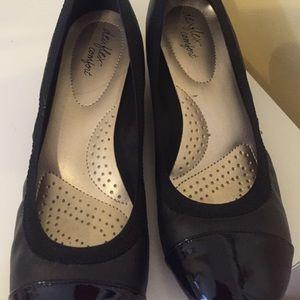 798ee1ab4b Dexflex Comfort Shoes - Dexflex Comfort Black Captoe Wedges 7W