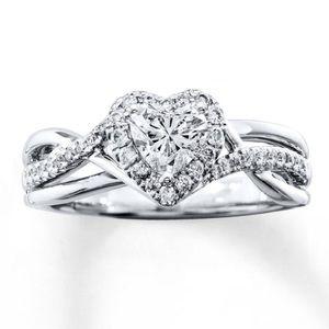 Diamond ring, heart shaped 14K white gold