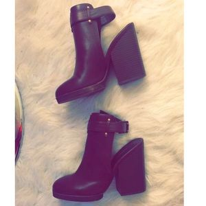 Forever 21 size 6 cutout faux leather booties