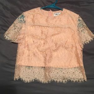 Short sleeve pink lace crop top
