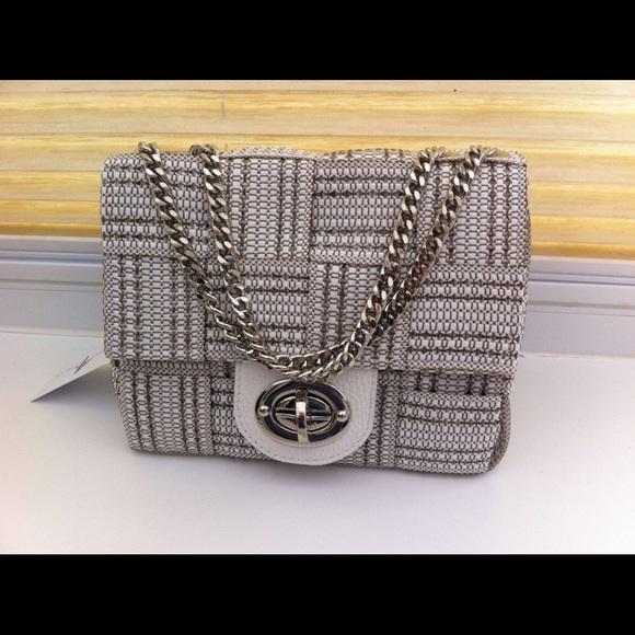 b31f76562e23 Alma Tonutti Handbags - Alma Tonutti Woven Italian Leather Straw Bag