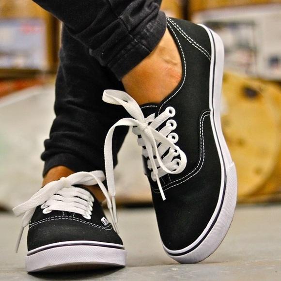 vans authentic lo pro womens shoes black