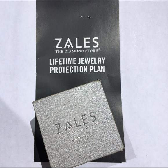 29 off zales jewelry diamond bow ring with lifetime