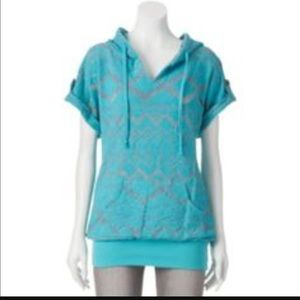 Miss Chievous Tops - Aqua and grey Aztec hooded short sleeve sweater.