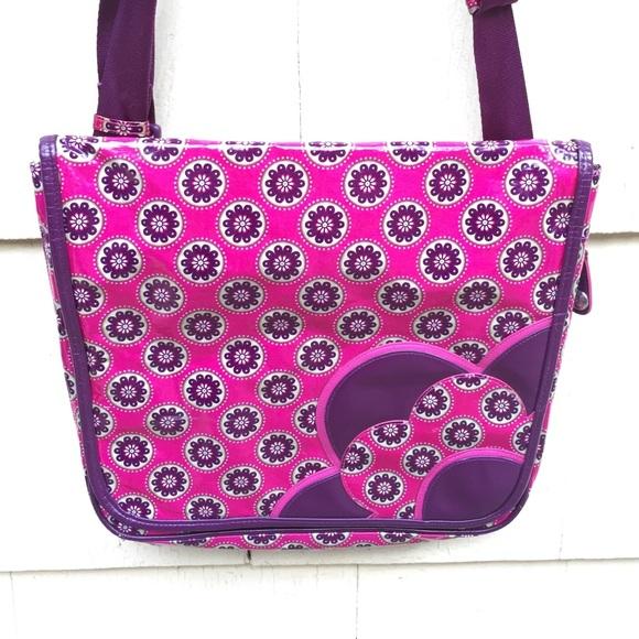 Vera Bradley Frill Very Berry Large Messenger Bag.  M 578565aff09282c12e02488a 4d374096dc