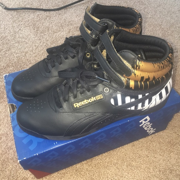 fe85cf75bdf4c2 Alicia keys piano limited edition reeboks. M 57856d414225bec85800f65c.  Other Shoes ...