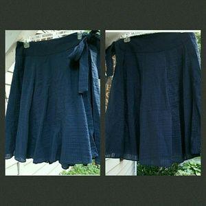Tibi Dresses & Skirts - 💣LOWEST $ 💥 TIBI textured Side Tie Full Skirt