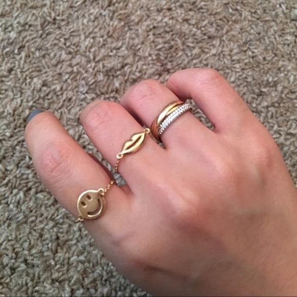 Jewelry Price Dropmejuri 14k Gold Smiley Chain Ring Poshmark