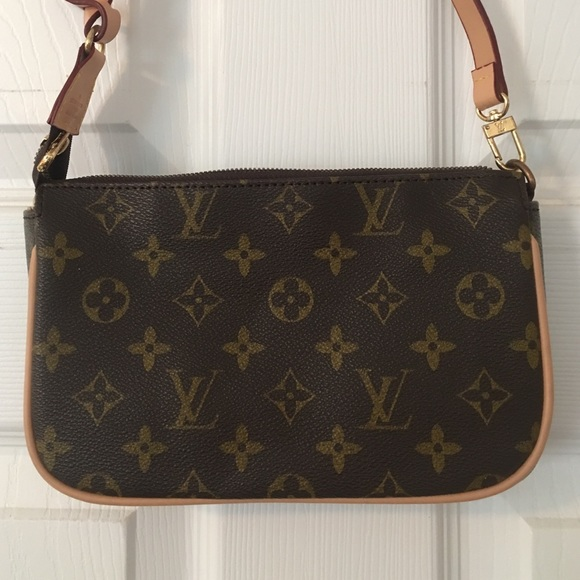 64b6c4205f8f Handbags - Louis Vuitton Pochette replica