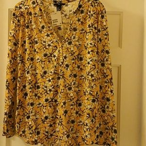 H&M Gorgeous Fun Flowered Blouse