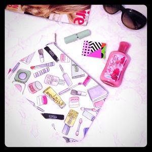 Clinique Handbags - CLINIQUE Makeup Print Cosmetic Bag
