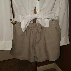 Pants - SHORTS  - Olive LINEN
