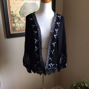 Boutique Tops - Embroidered kimono long sleeve