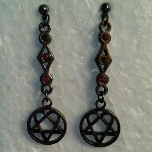 Hot topic jewelry heartagram earrings poshmark heartagram earrings aloadofball Image collections