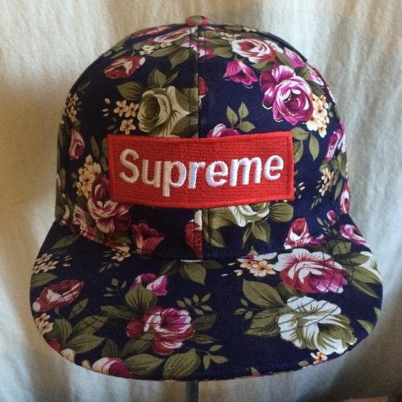 Supreme Accessories - Supreme Floral Print SnapBack hat b319b7ef3f2