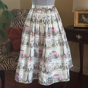 Pin-up style Pleated Skirt Paris Eiffel Cafe Scene