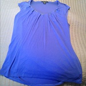 Periwinkle short sleeve top with silver rope