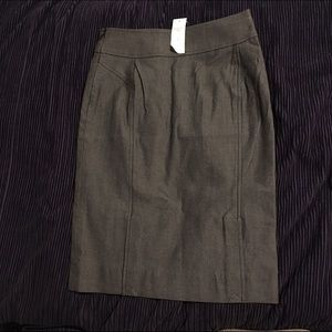 Banana Republic Dresses & Skirts - NWT Banana Republic Charcoal Gray Pencil Skirt 0