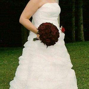 Maggie Soterro  Dresses & Skirts - Maggie Soterro Wedding Dress