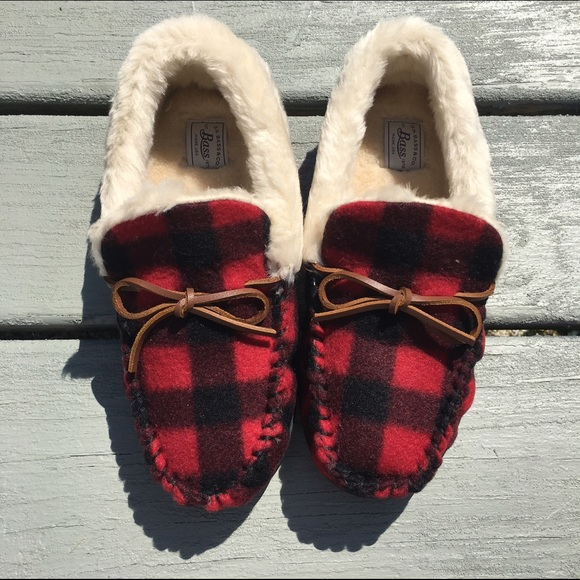 f91008462640 GH Bass Dreamy Red Plaid Slippers - In Box