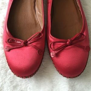 Marc Jacobs Shoes - Marc Jacobs red flats