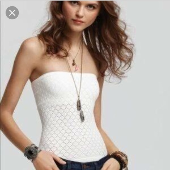 b5950878a7e Free People Tops - Free People Honeycomb Tube Top in black!