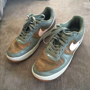 Nike Air Force 1 Premium Ladies Sneakers