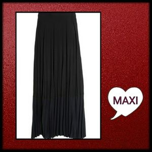 NWOT  Moda International Maxi Skirt